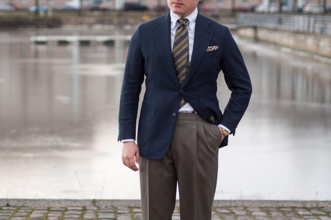 5 būdai kaip vilkėti mėlyną švarką