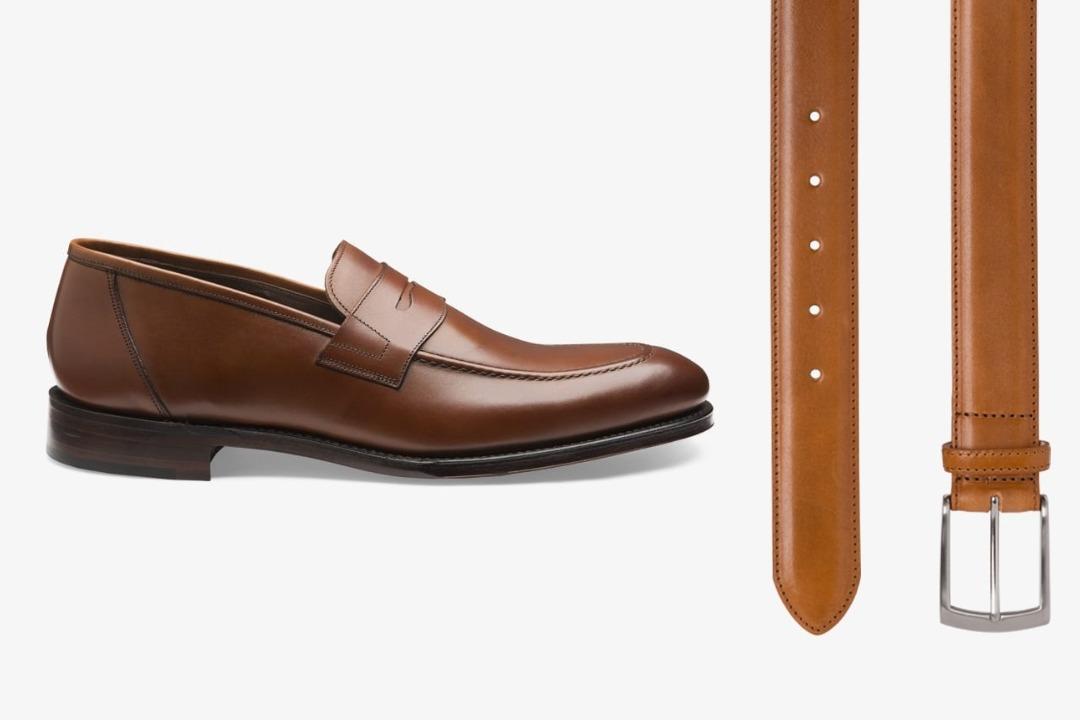 Rudi batai ir gelsvas diržas