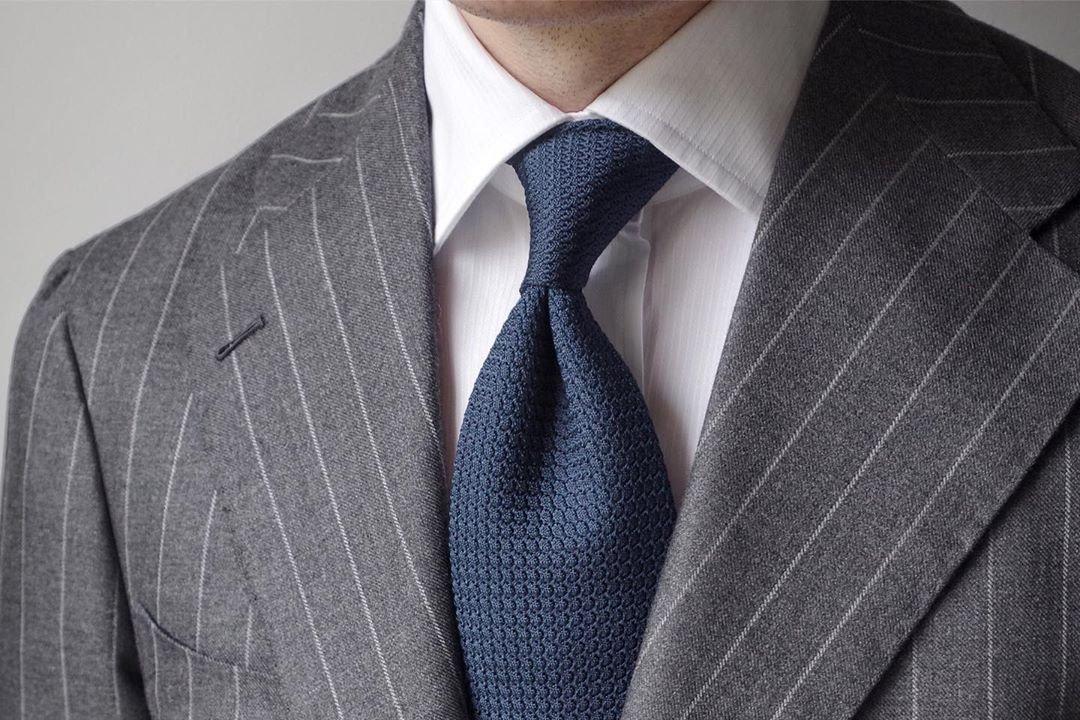 Kaklaraiščio duobutė