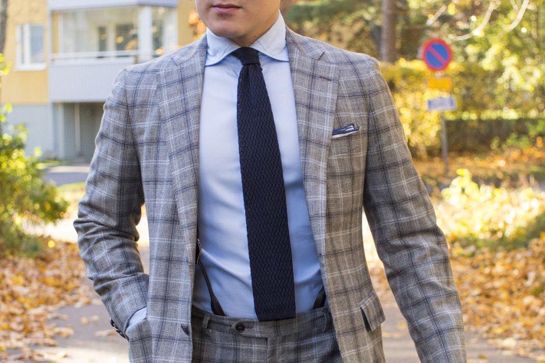 Kaklaraiščio ilgis iki kelnių juosmens