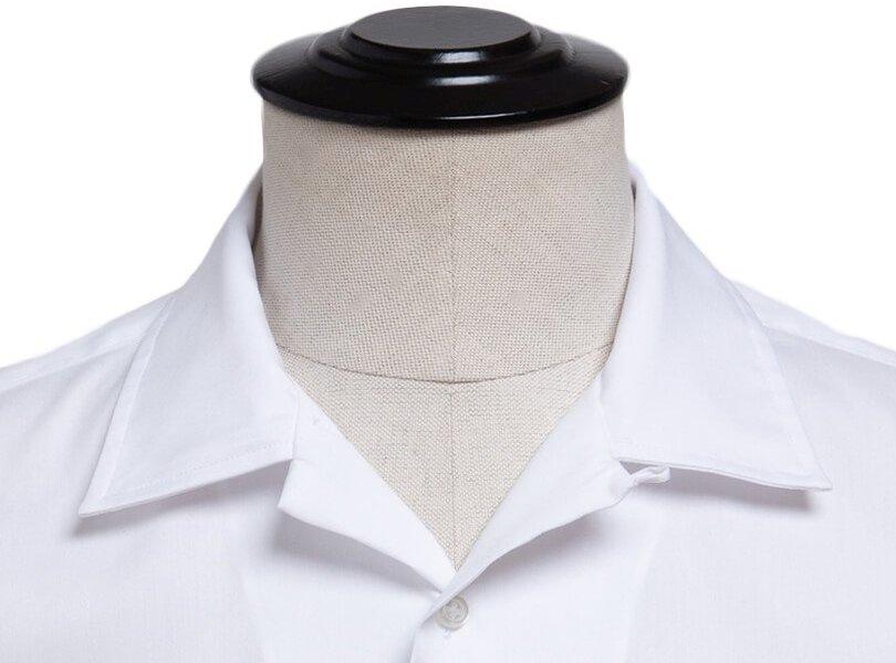 Kubietiška marškinių apykaklė