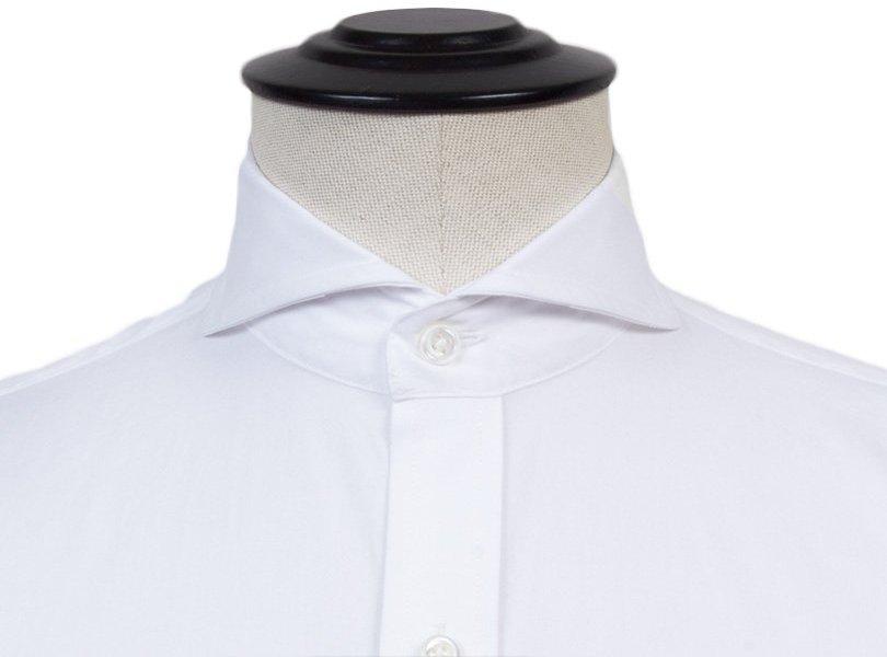 Nukirpta marškinių apykaklė