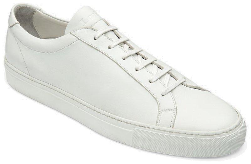 Balti sportiniai bateliai